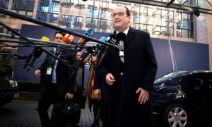 Ο Ολάντ «βλέπει» πόλεμο Ρωσίας – Τουρκίας και εξηγεί: Άλλο Ελλάδα και άλλο Βρετανία