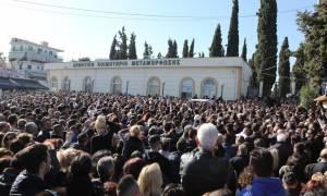 Κηδεία Παντελίδη: Το τελευταίο χειροκρότημα στον αδικοχαμένο τραγουδιστή