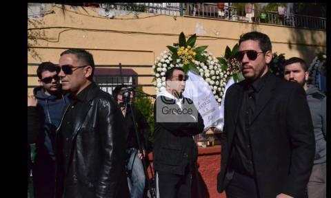Κηδεία Παντελίδη: Συντετριμμένοι φίλοι και συνεργάτες (photos)