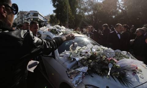Κηδεία Παντελίδη: Live εικόνα από το κοιμητήριο της Μεταμόρφωσης