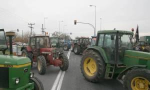 Μπλόκα αγροτών: Άνοιξαν τα Τέμπη