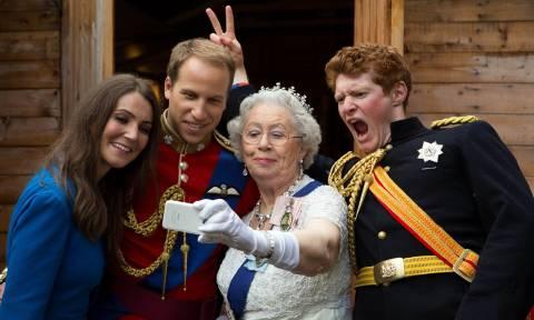 O παράξενος κόσμος των σωσιών της Βασίλισσας Ελισάβετ σε εικόνες