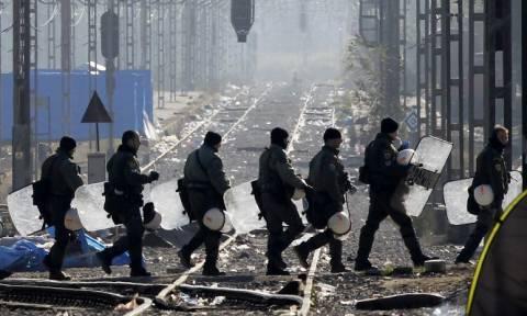 Κομισιόν: Δεν έχουν κλείσει πλήρως τα σύνορα Ελλάδας - Σκοπίων