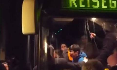 Γερμανία: Αντιδράσεις της κυβέρνησης για την επίθεση σε λεωφορείο μεταναστών (vid)