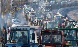 Μπλόκα αγροτών: Σε στάση αναμονής οι αγρότες της Νίκαιας