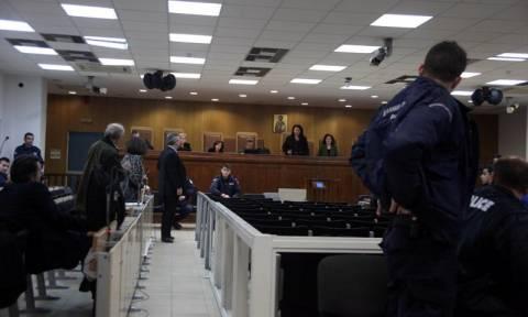 Χρυσή Αυγή : Νέα έκκληση από την πρόεδρο προς τους δικηγόρους να παραστούν στη δίκη