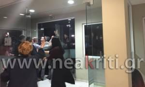 Χαμός στο Ηράκλειο: Εξαγριωμένοι αγρότες προπηλάκισαν βουλευτή του ΣΥΡΙΖΑ (vid)