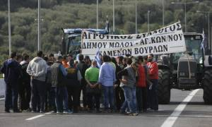 Πανελλαδική Επιτροπή Μπλόκων: Οι αγρότες «πήγαν για μαλλί και βγήκαν κουρεμένοι» από το Μαξίμου