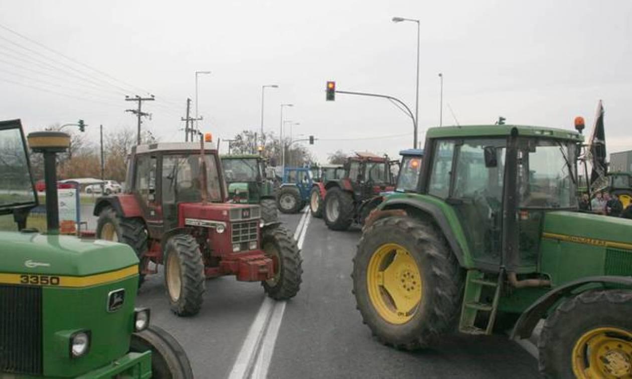 Στα άκρα η σύγκρουση ανάμεσα σε αγρότες και κυβέρνηση
