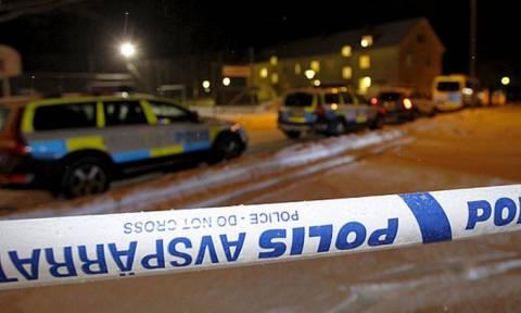 Συναγερμός στην Σουηδία έπειτα από χειροβομβίδες σε αστυνομικά τμήματα