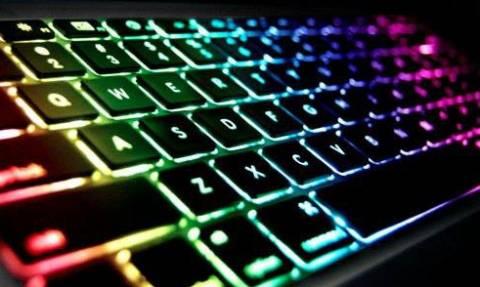 Εσείς γνωρίζετε γιατί τα κουμπιά F και J στο πληκτρολόγιο έχουν «εξογκώματα»;
