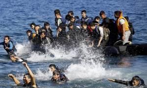 Βουλιάζει η Λέσβος από πρόσφυγες