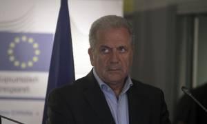 Προσφυγικό - Αβραμόπουλος: Είναι η στιγμή της μεγάλης ευθύνης - Κινδυνεύει η ενότητα της ΕΕ