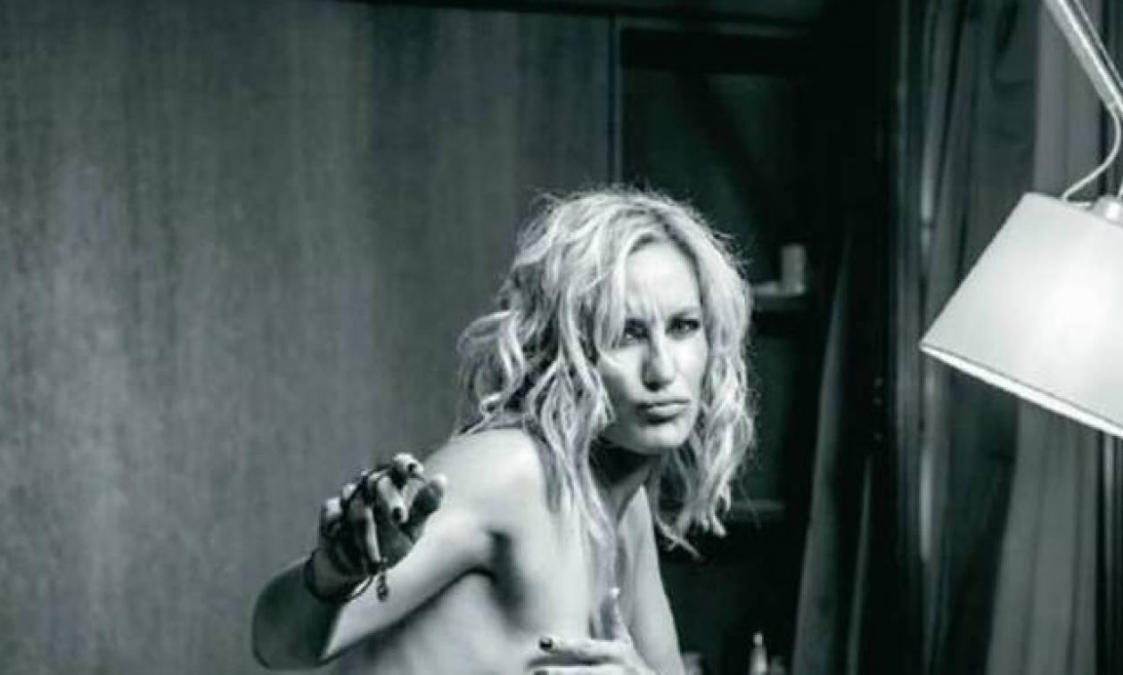Δωρεάν δίωρη φωτογράφηση με Αντρικό ή Γυναίκειο μοντέλο από Performer της.