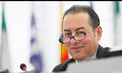 Συνάντηση του Αλ. Τσίπρα με τον Τζ. Πιτέλα, το απόγευμα