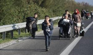 Χάος με χιλιάδες πρόσφυγες στη χώρα μας - Η κυβέρνηση τους... επιστρέφει στα νησιά (video)