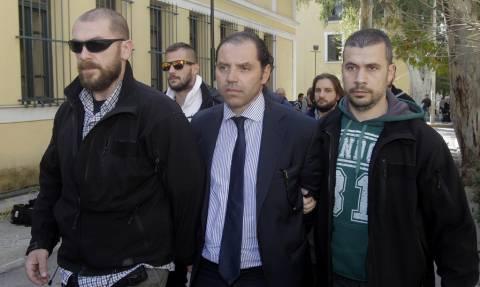 Ενώπιον της Δικαιοσύνης το κύκλωμα των εκβιαστών δημοσιογράφων