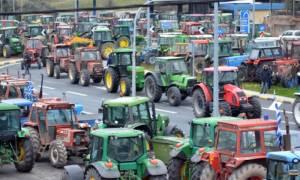 Αγρότες: Μένουν στη Νίκαια - Αποχωρούν από τα Τέμπη