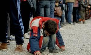 Στον Πειραιά έφτασαν 437 πρόσφυγες