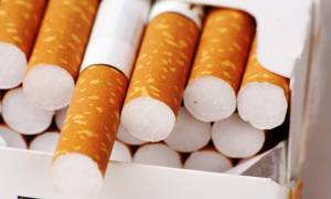 Συνελήφθη αξιωματικός του Λιμενικού που φέρεται να εμπλέκεται σε υπόθεση λαθραίων τσιγάρων