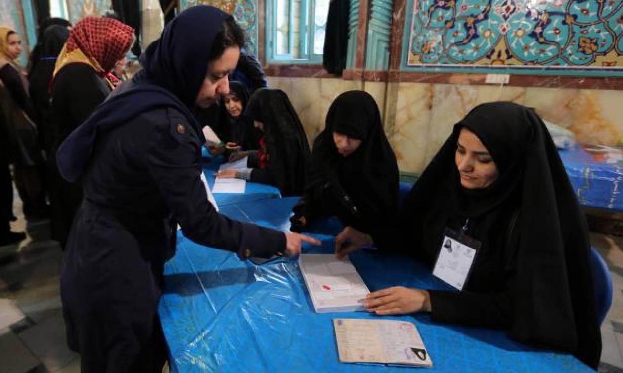 Ιράν: Προβάδισμα Ροχανί και Ραφσαντζανί στα πρώτα αποτελέσματα των εκλογών