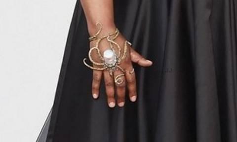 Όσκαρ 2016: Με ένα χταπόδι στο χέρι στο κόκκινο χαλί των Oscars!