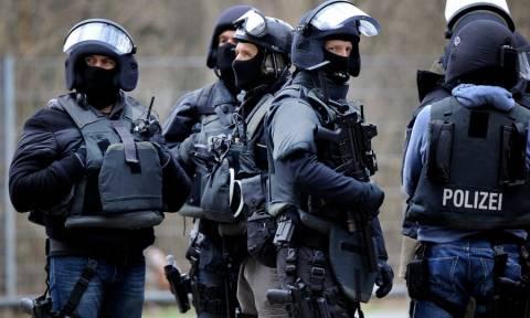 Οι Γερμανοί ξανάρχονται... με αστυνομικές στολές!