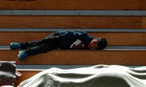 Η Ελλάδα στη δίνη του προσφυγικού χάους – Πεδίο μάχης η Ειδομένη