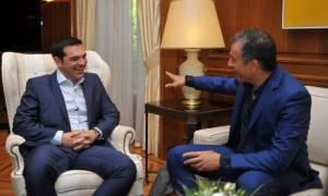 Συγχαρητήρια Τσίπρα στον Θεοδωράκη για την επανεκλογή του