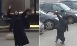 Ανατριχιαστικές μαρτυρίες για τη γυναίκα που κρατούσε το κεφάλι παιδιού το οποίο είχε αποκεφαλίσει!