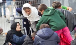 Τι συζητήθηκε στην ευρεία σύσκεψη στο ΥΠΕΣ για το προσφυγικό