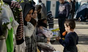 Πειραιάς: 2.500 πρόσφυγες στο λιμάνι - Χωρίς επιβάτες επιστρέφει το «Blue Star Patmos»