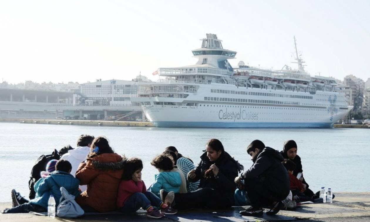 Τουλάχιστον 1.000 ακόμα πρόσφυγες και μετανάστες φτάνουν σήμερα στον Πειραιά