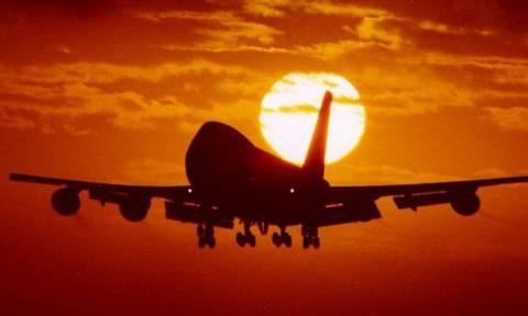 Ο Θεσσαλονικιός που αναστάτωσε ένα ολόκληρο αεροπλάνο – Γιατί οι επιβάτες σήκωσαν τα χέρια τους;