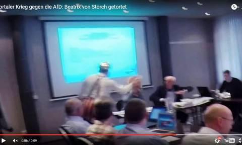 Επίθεση ακτιβιστών κλόουν με τούρτες στα πρόσωπα ακροδεξιών (vid)
