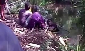 Φρικιαστικό βίντεο: Κροκόδειλος τού ξερίζωσε το πόδι τραβώντας τον στον πάτο της λίμνης!
