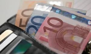 Μείωση του αφορολογήτου των 9.550 ευρώ ζητούν οι θεσμοί