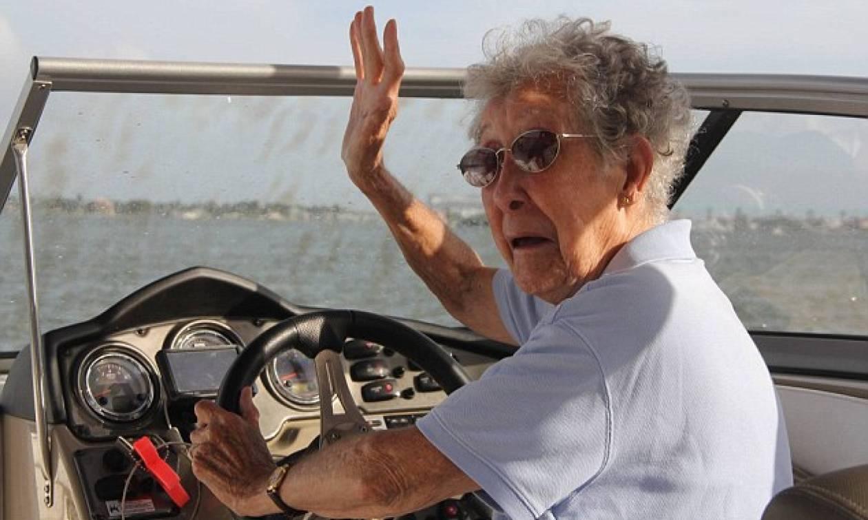 ΗΠΑ: 90χρονη διεγνώσθη με καρκίνο και το έριξε στα ταξίδια