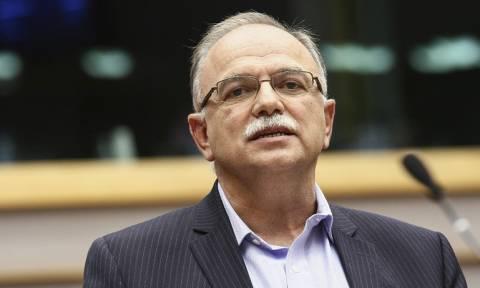 Παπαδημούλης: Η Κομισιόν να διευκρινίσει τη στάση της για όσους παραβιάζουν τη Συνθήκη του ΟΗΕ