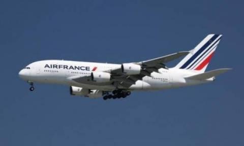 Τρόμος σε πτήση για Παρίσι από «επίθεση» drone