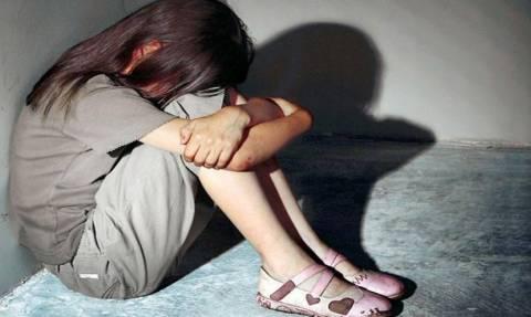 Κόρινθος: Σύλληψη ηλικιωμένου για απόπειρα αποπλάνησης ανήλικου κοριτσιού