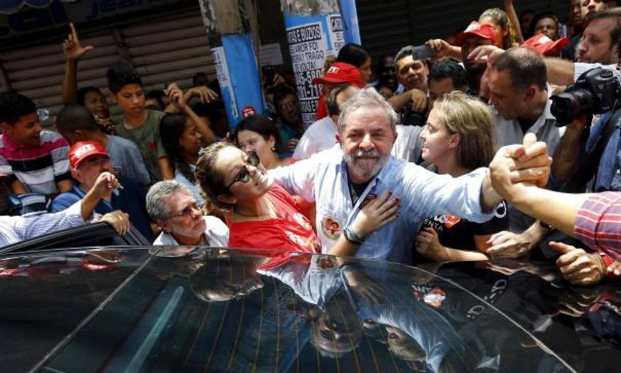 Βραζιλία: Αφέθηκε ελεύθερος ο πρώην πρόεδρος Λούλα