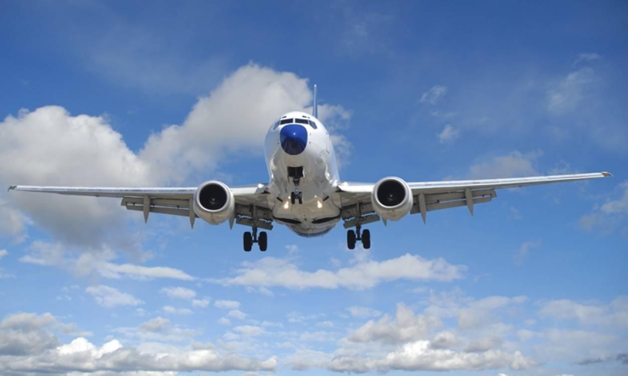 Γιατί τα αεροπλάνα έχουν ακόμα τασάκια αν και απαγορεύεται το κάπνισμα;