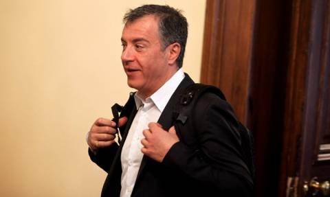 Συμβούλιο πολιτικών αρχηγών - Θεοδωράκης: Το πρόβλημα διογκώθηκε με Τσίπρα – Μίνιμουμ εθνική γραμμή