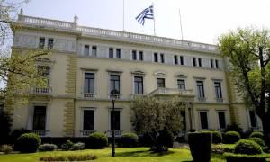 Συμβούλιο Πολιτικών Αρχηγών: Ο καπνός, η φωτιά και η Οικουμενική