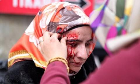 Κωνσταντινούπολη: «Γιόρτασαν» την Ημέρα της Γυναίκας με πλαστικές σφαίρες (pics)