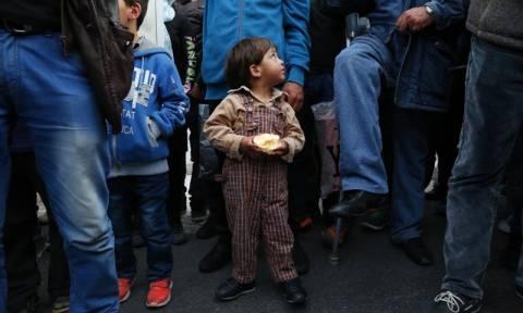 Σε 33.320 ανέρχονται οι πρόσφυγες και μετανάστες στην ελληνική επικράτεια
