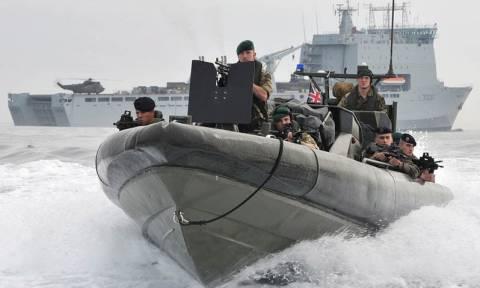 Βρετανικά πολεμικά πλοία αποπλέουν για το Αιγαίο για να ενωθούν με το στόλο του ΝΑΤΟ