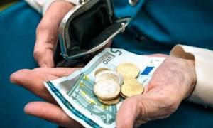 ΣΟΚ: «Ψαλίδι» έως 50% στις νέες συντάξεις απαιτούν οι δανειστές