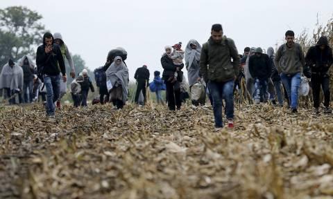 Πρόσφυγες με το σταγονόμετρο θα δέχoνται Σλοβενία - Σερβία